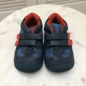 Other - Kids Velcro sneakers